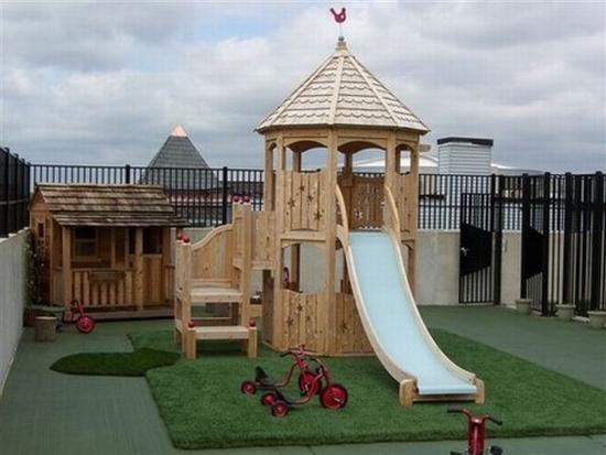 10 playground 024