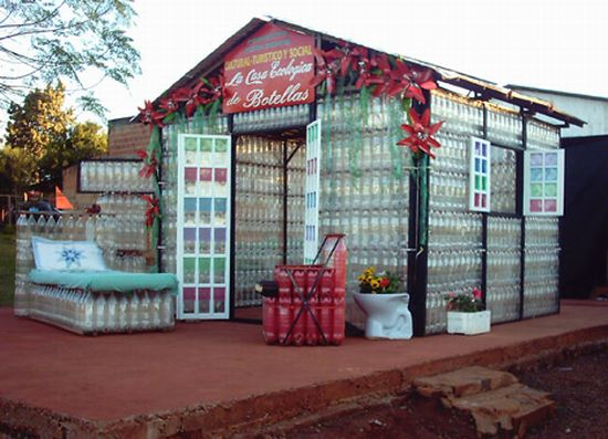 argentine house made of plastic bottles 1