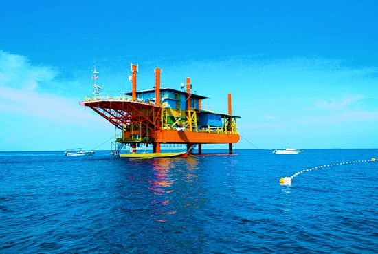 creatives at morris architects turn an oil rig int