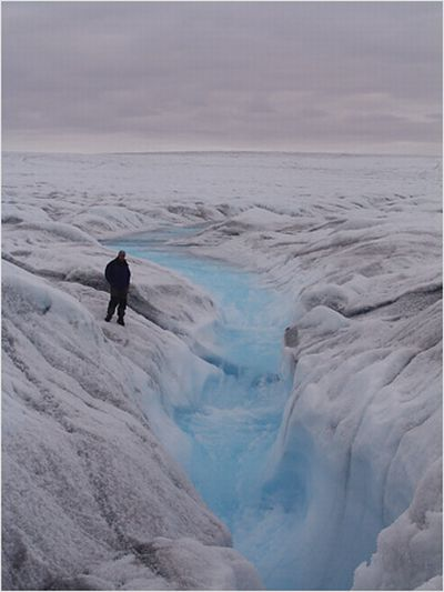 greenland ice turning water