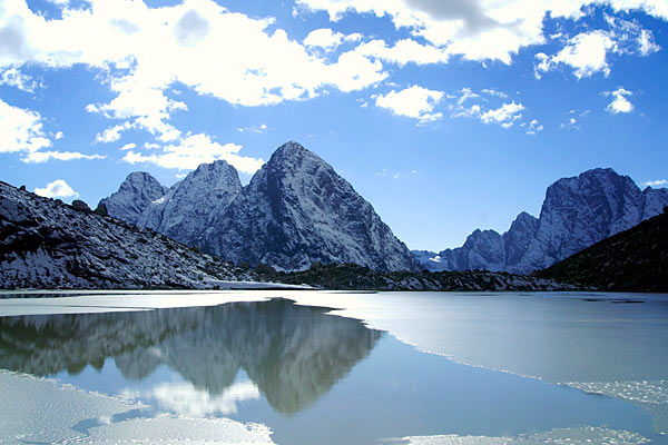 lake_karachay_russia_aybfg.jpg