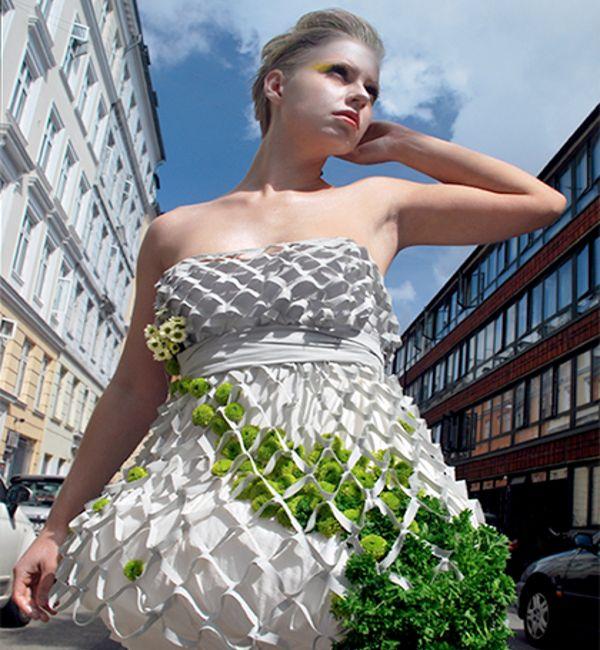 Mesh wearable garden