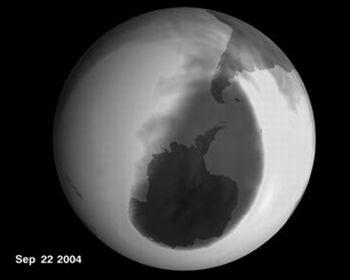 nasa   2004 antarctic ozone hole