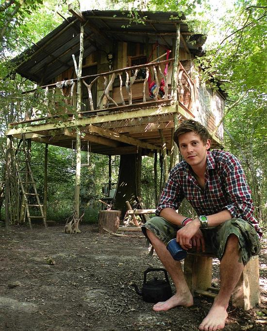 Living Wood Tree House Self Styled Survivalist Embraces Eco Austerity 39 On A
