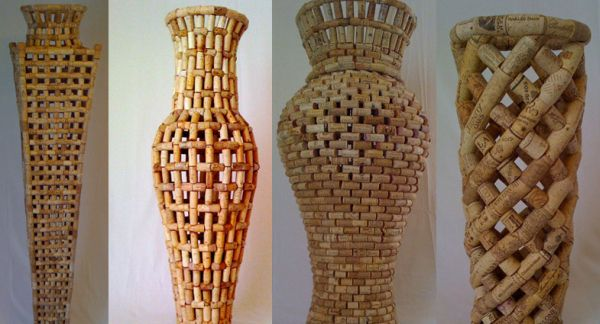10 stunning works of art using recycled products green - Decoracion con corchos ...