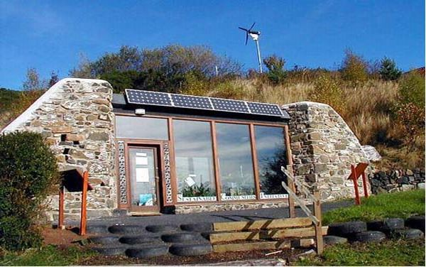 Best of 2011 eco friendly homes built with recycled for House made by waste material
