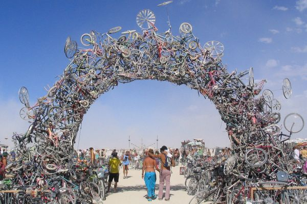 2011.08.01-Bike-Arch-was-made-by-Mark-Grieve-and-Ilana-Spector-in-Black-Rock-Desert-NV.-Photo-by-Andrew-Grinberg1