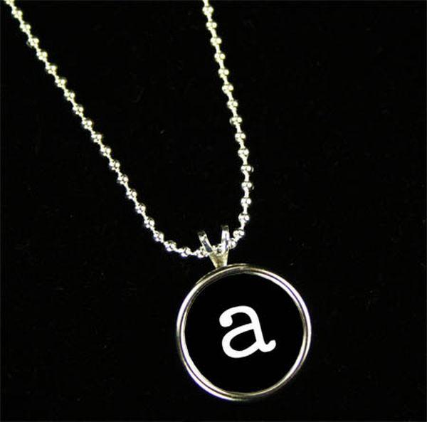 initial_pendant