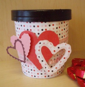 Cool and creative pieces recycled from ice cream for Best out of waste ideas from ice cream stick