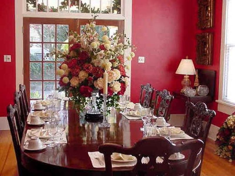 decorate your house with fresh flowers no doubt one of the best ways to use flowers is by styling them as a centerpiece instead of using the regular vase - Ways To Decorate Your House